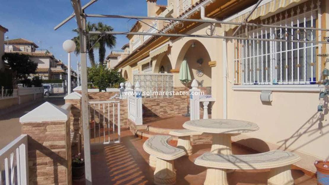 Casa de 3 habitaciones en Playa Flamenca en venta con piscina - 149.000 € (Ref: 5056316)