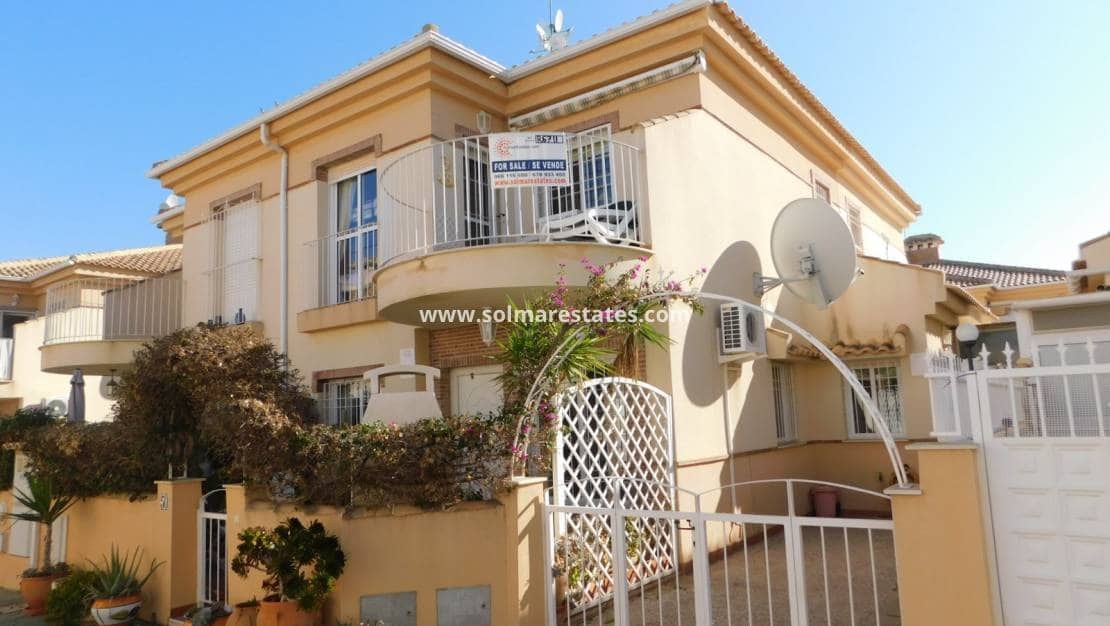 Casa de 2 habitaciones en Playa Flamenca en venta con piscina - 129.000 € (Ref: 5106321)