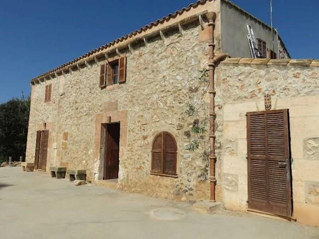 Finca/Casa Rural de 4 habitaciones en Son Carrio en venta - 625.000 € (Ref: 3420832)