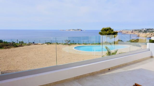 3 chambre Villa/Maison Mitoyenne à vendre à Cala Moli avec piscine garage - 790 000 € (Ref: 4434306)