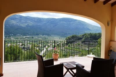 3 bedroom Villa for sale in Parcent with pool - € 285,000 (Ref: 5127339)