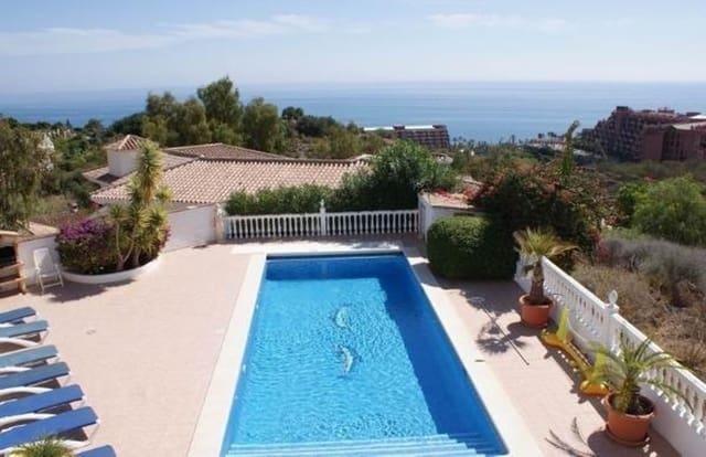 8 sypialnia Willa na kwatery wakacyjne w Benalmadena z basenem garażem - 2 750 € (Ref: 3367707)