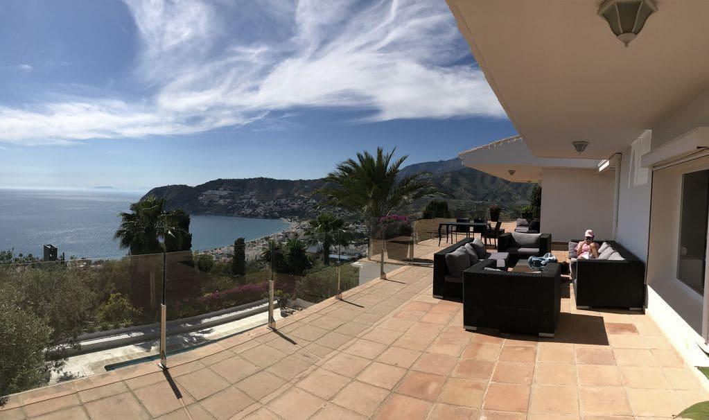 6 soverom Villa til salgs i La Herradura med svømmebasseng garasje - € 2 800 (Ref: 5255995)
