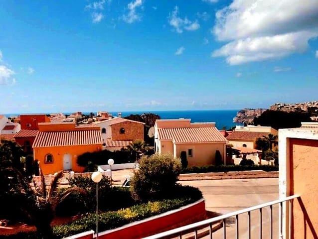 Adosado de 2 habitaciones en Cumbre del Sol en venta con piscina - 150.000 € (Ref: 3449646)
