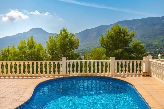 Chalet de 3 habitaciones en Parcent en venta con piscina - 285.000 € (Ref: 4121990)