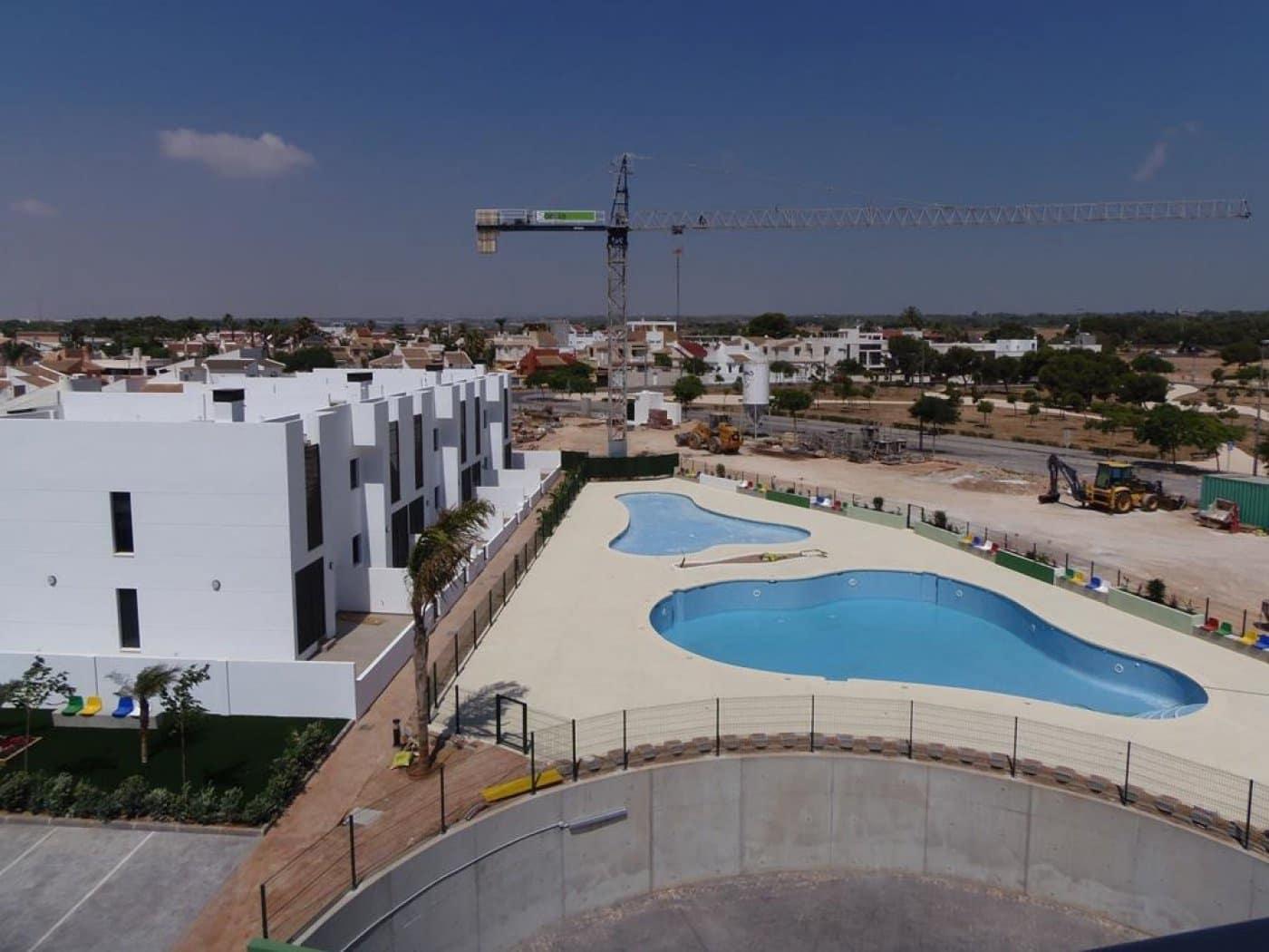 Apartamento de 2 habitaciones en Pilar de la Horadada en venta con piscina - 175.000 € (Ref: 4253358)