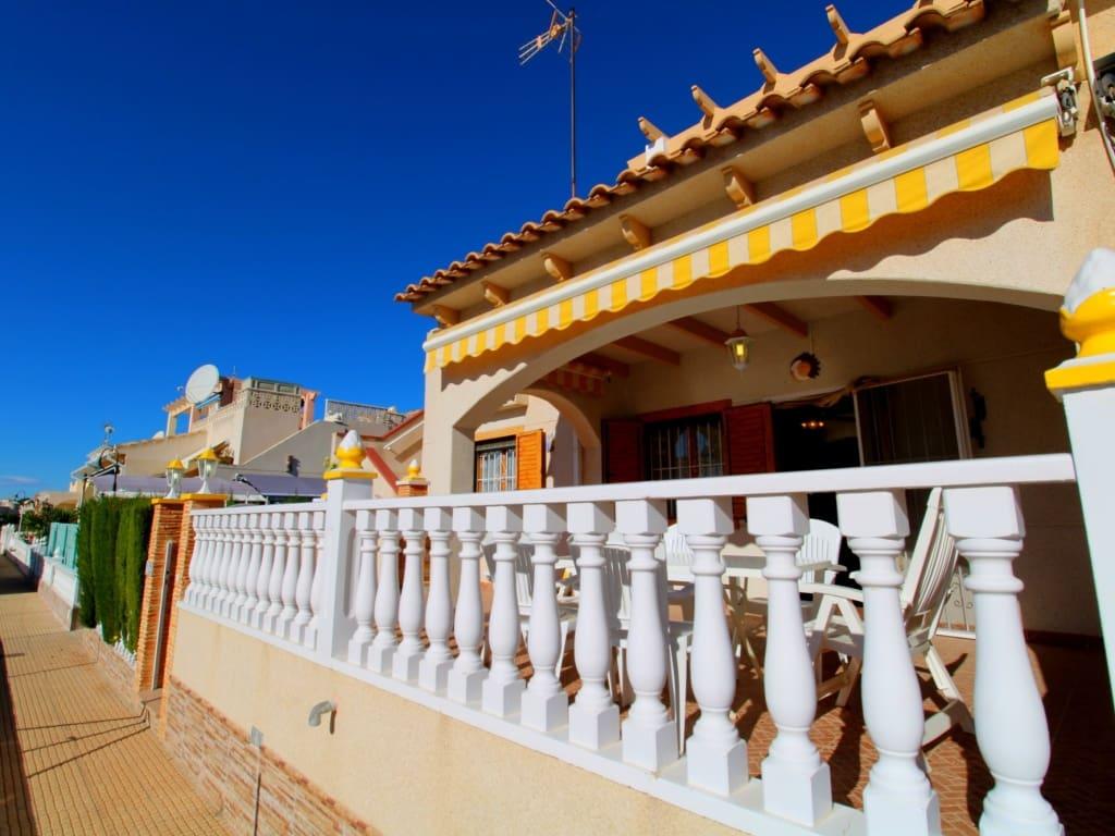 Bungalow de 2 habitaciones en Playa Flamenca en venta - 136.000 € (Ref: 4889079)