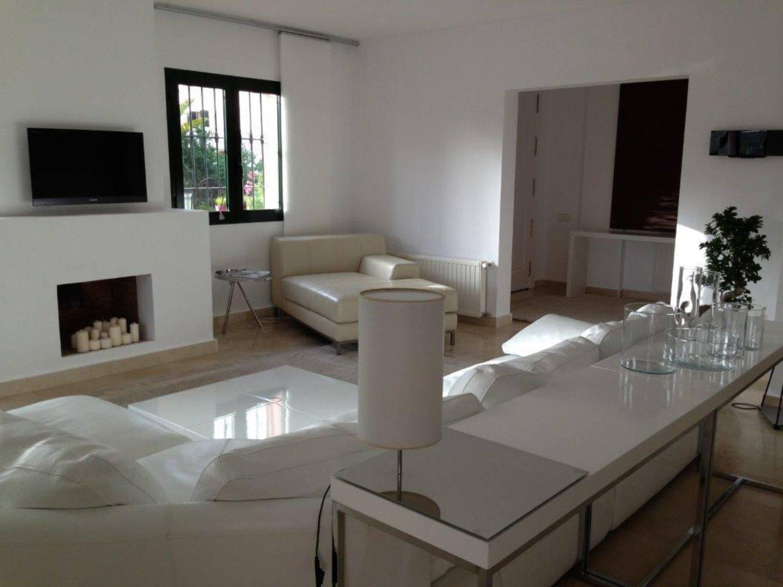 4 soveværelse Byhus til leje i Sotogrande med swimmingpool - € 2.600 (Ref: 3706829)