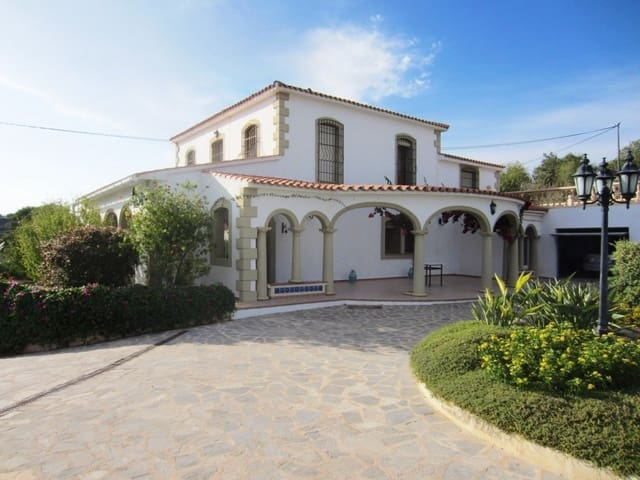 5 bedroom Finca/Country House for sale in Teulada with pool garage - € 698,000 (Ref: 5640359)