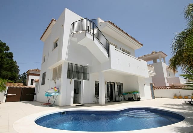4 camera da letto Villa da affitare come casa vacanza in La Cala de Mijas con piscina - 1.344 € (Rif: 4099785)