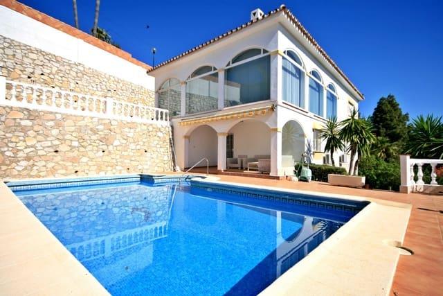Chalet de 4 habitaciones en Mijas Costa en alquiler vacacional con piscina garaje - 1.267 € (Ref: 4485220)