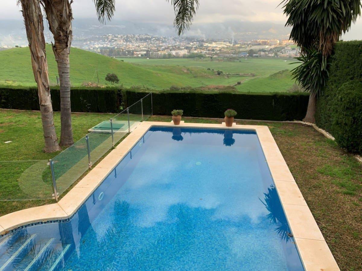 4 slaapkamer Villa te huur in Cerro del Aguila met zwembad garage - € 3.000 (Ref: 5123180)