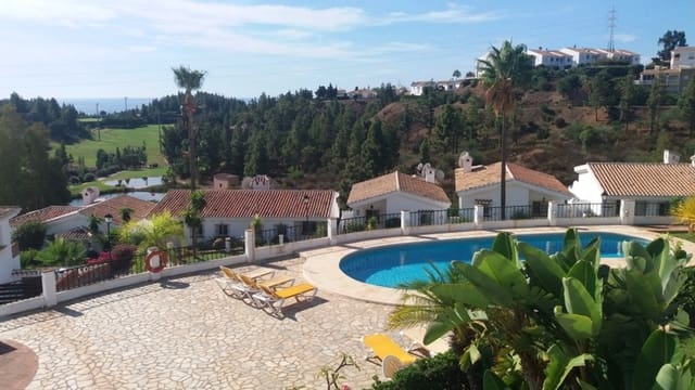 2 slaapkamer Penthouse te huur in El Chaparral met zwembad garage - € 850 (Ref: 5731432)