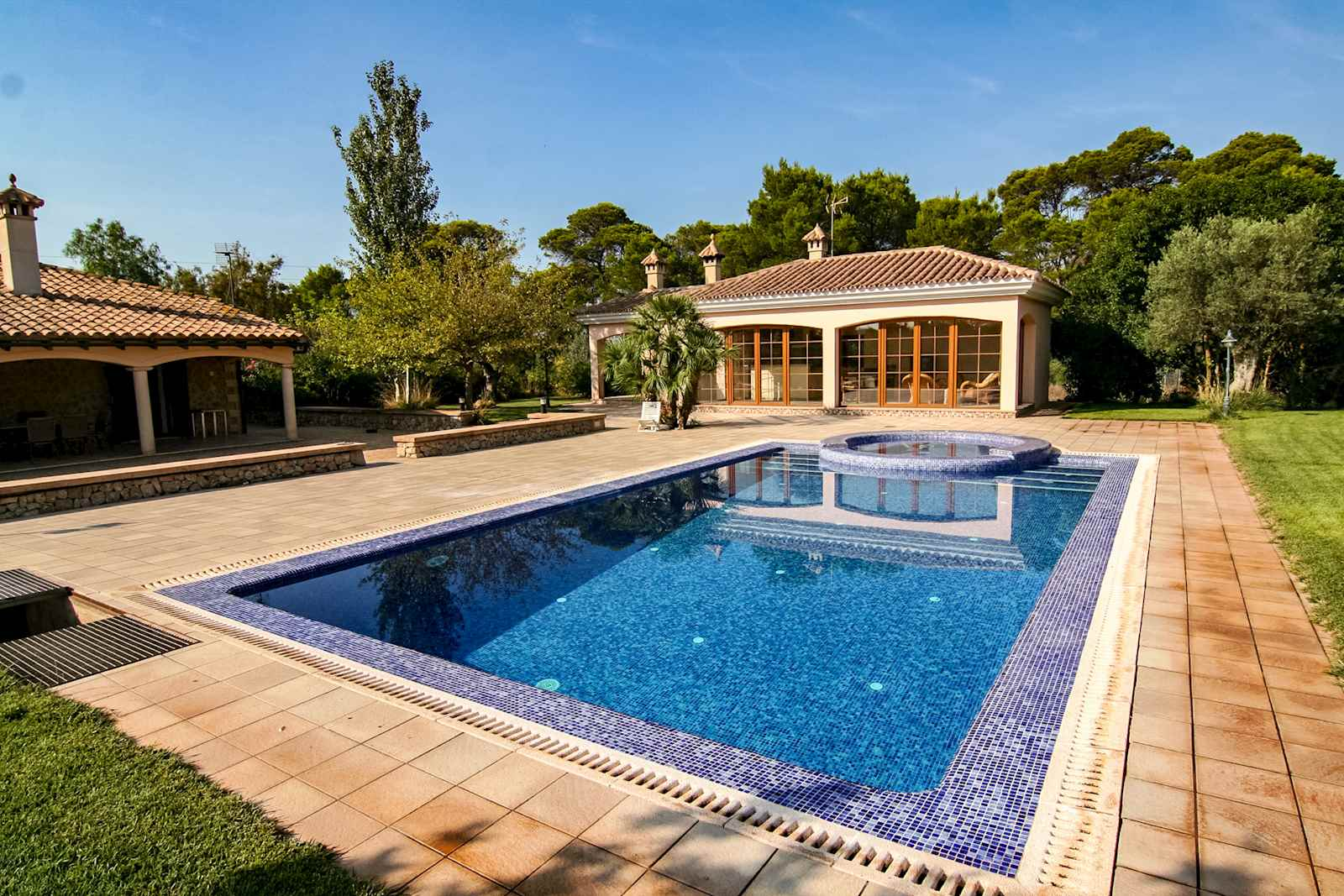 4 soverom Villa til leie i Marratxi med svømmebasseng - € 4 000 (Ref: 3094628)
