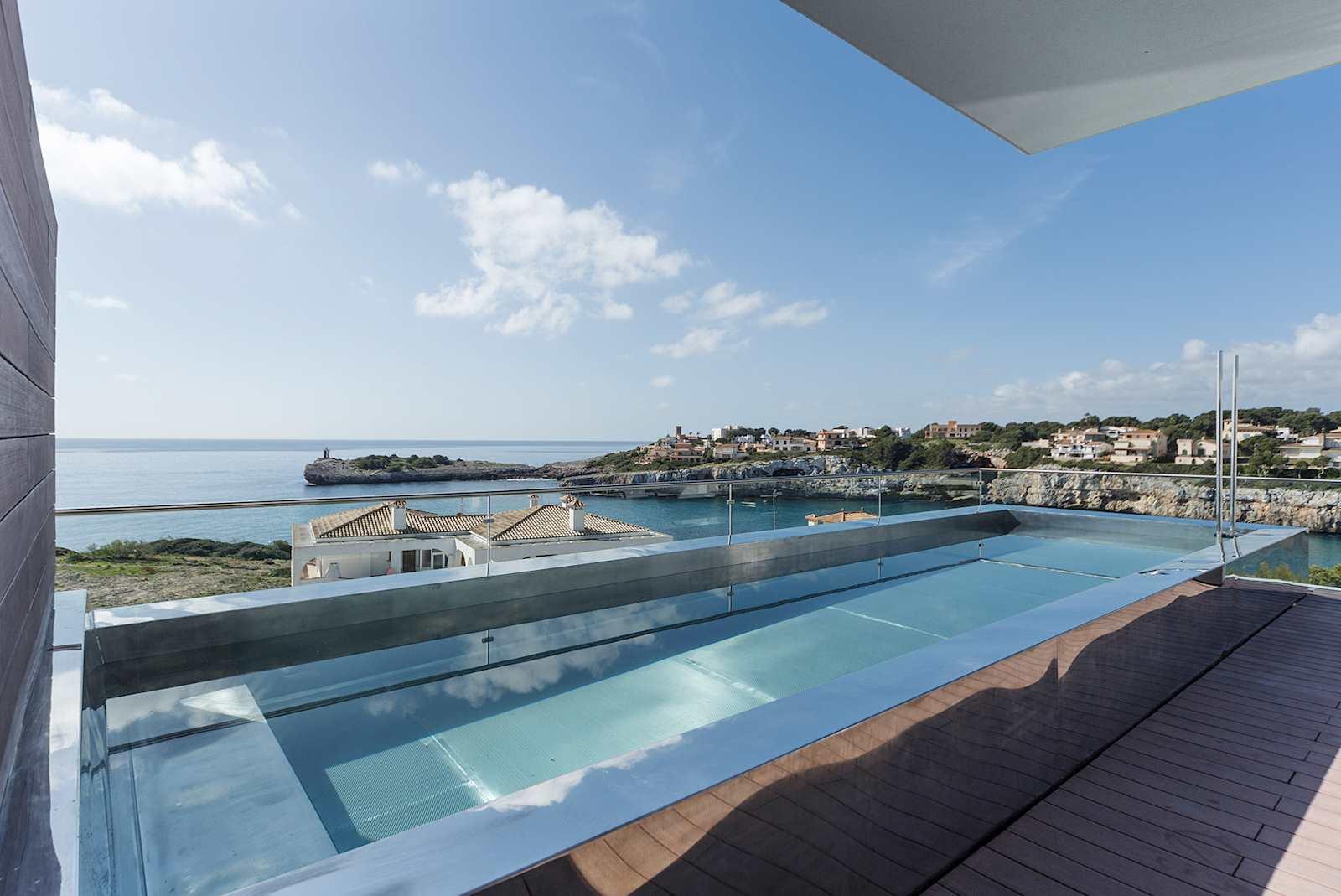 2 bedroom Flat for sale in Portocristo / Port de Manacor with pool - € 1,990,000 (Ref: 3893316)