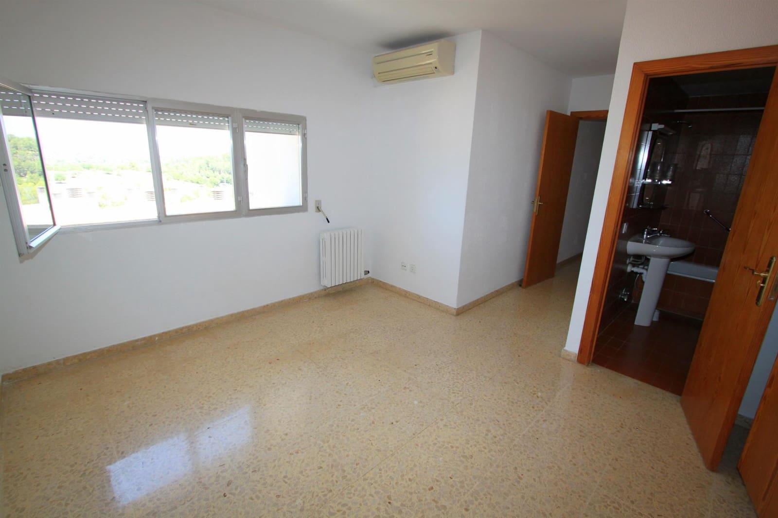 3 soveværelse Lejlighed til leje i Genova - € 1.200 (Ref: 5382559)