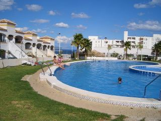 2 bedroom Apartment for holiday rental in Gran Alacant with pool - € 200 (Ref: 436934)