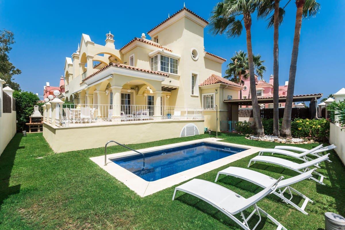 5 bedroom Semi-detached Villa for holiday rental in Puerto Banus with pool garage - € 6,500 (Ref: 4482961)