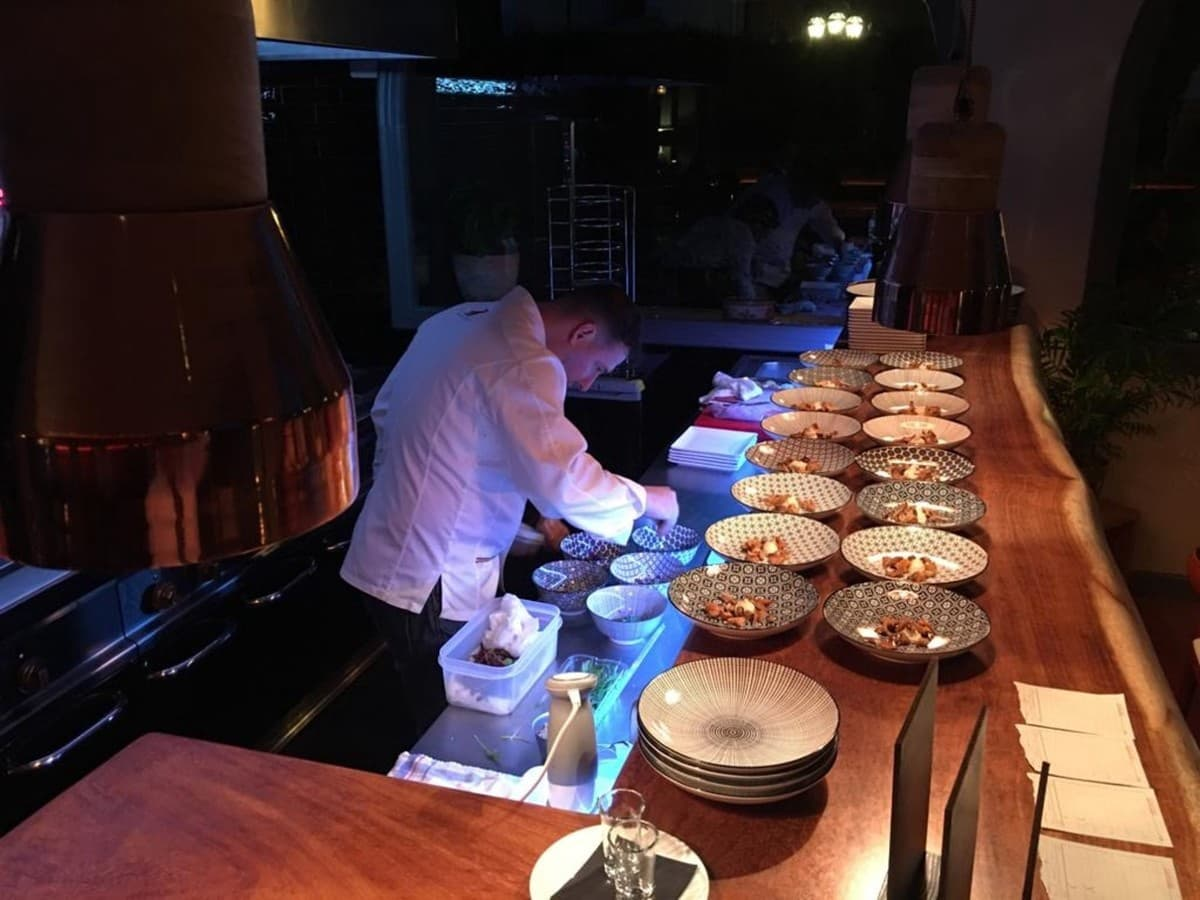 Restaurant/bar te huur in Estepona - € 2.100 (Ref: 4824652)