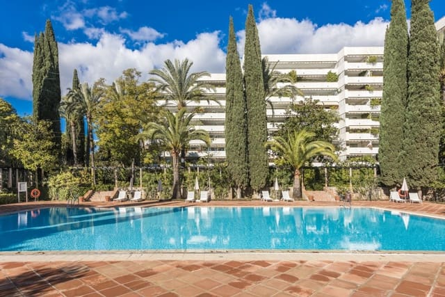 3 bedroom Apartment for holiday rental in Golden Mile - € 3,000 (Ref: 5566811)