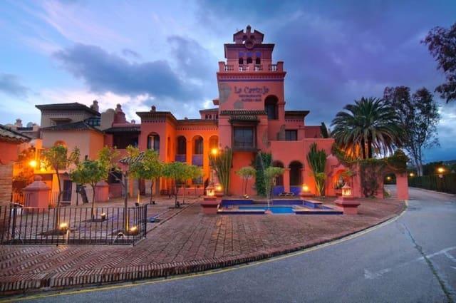 14 makuuhuone Hotelli myytävänä paikassa Atalaya-Isdabe mukana uima-altaan  autotalli - 2 200 000 € (Ref: 5949615)