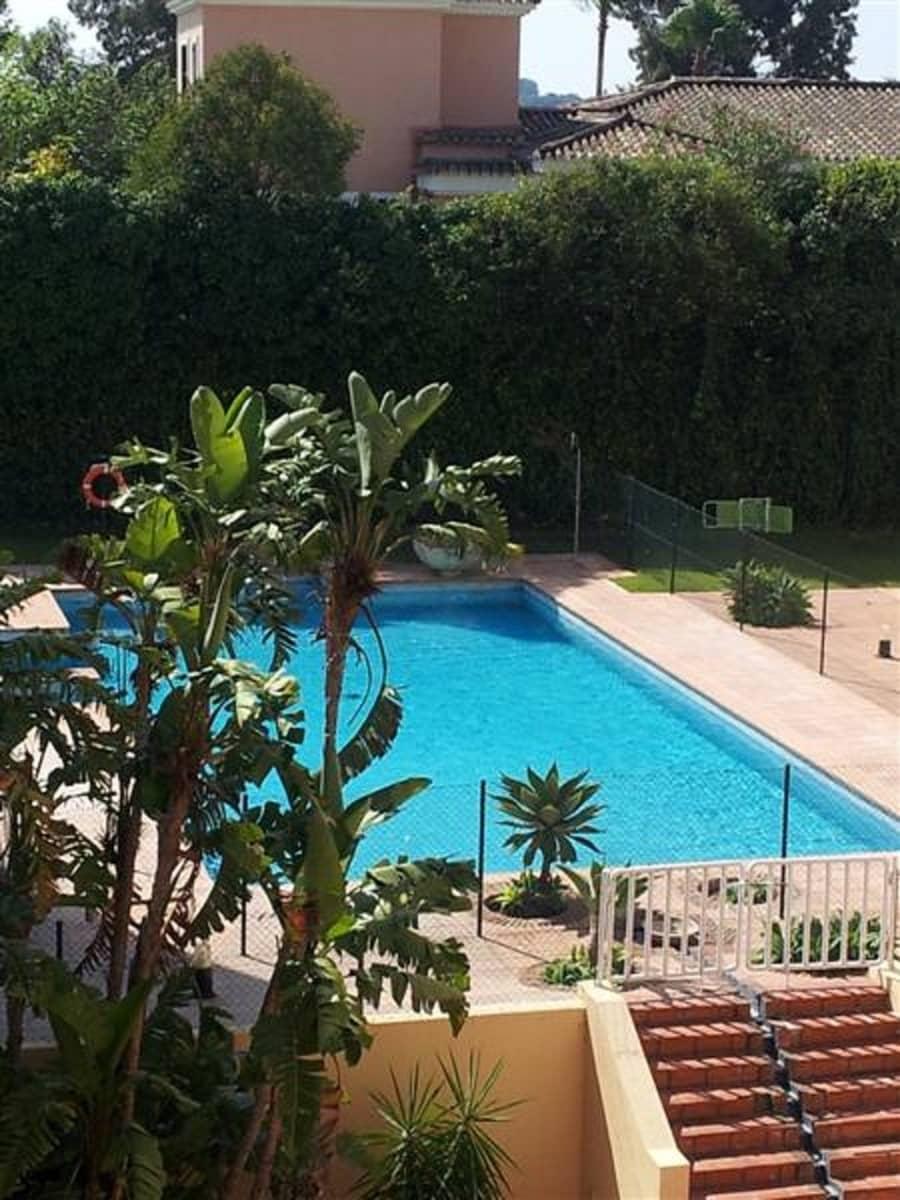 Estudio de 1 habitación en Sotogrande en venta con piscina garaje - 90.000 € (Ref: 4447147)