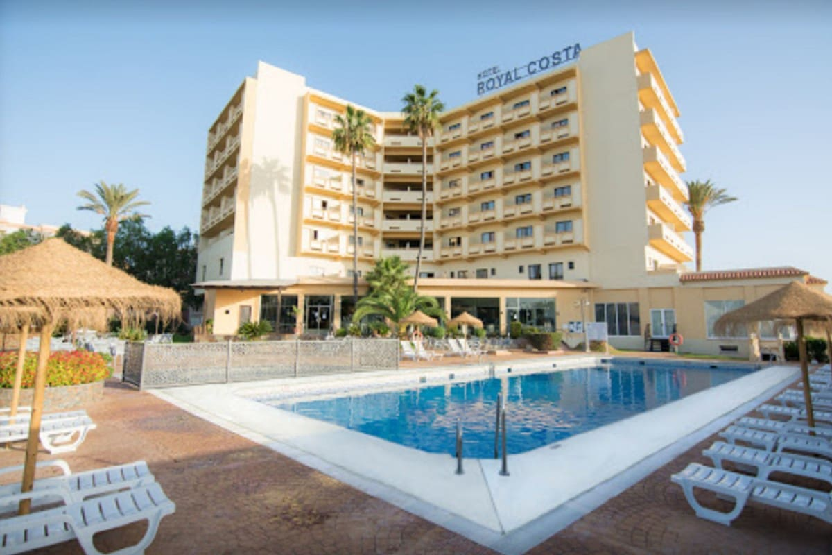 Hotel for sale in Torremolinos with pool - € 16,000,000 (Ref: 5020087)