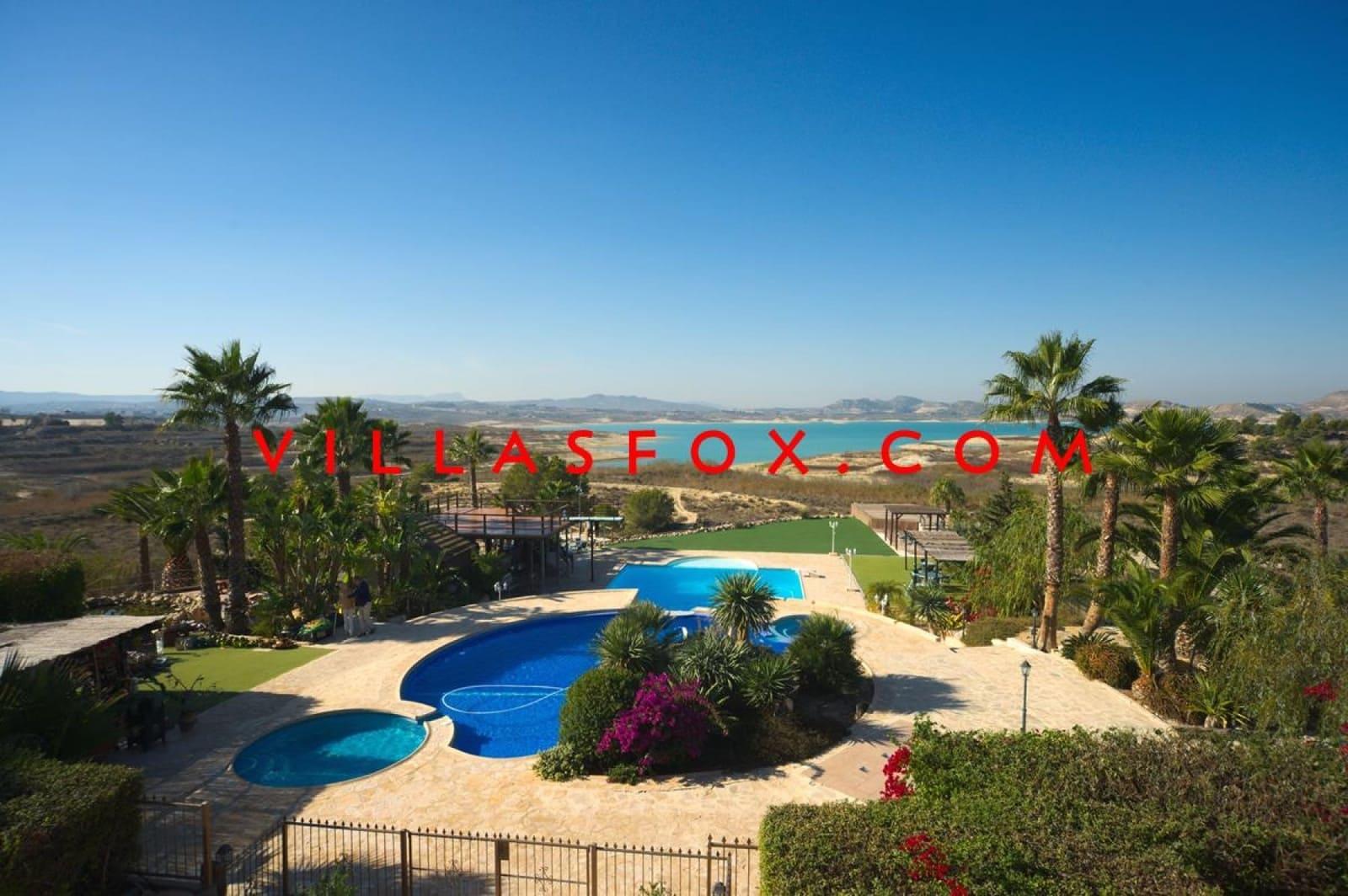 Chalet de 5 habitaciones en Orihuela en venta - 3.850.000 € (Ref: 4263824)